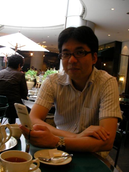 平野さん 携帯1.jpg