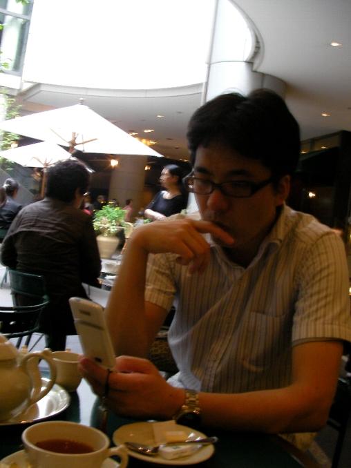 平野さん 携帯2.jpg